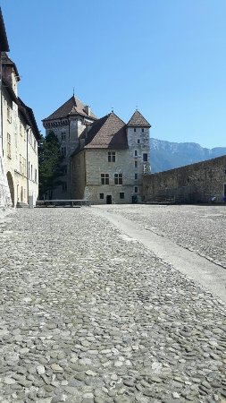 Chateau d'Annecy: 20160909_123615_large.jpg