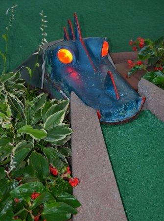 Cool Crest Garden Golf: Alligator hole