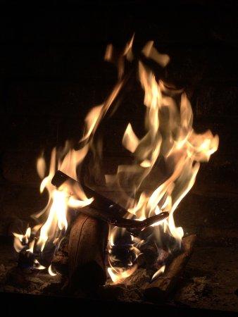 Krugersdorp, Sydafrika: Cosy bushveld fire