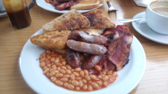 Lye Cross Farm Bus Cafe: I normally go for the small breakfast but decided today for just £1 more to go for the large.