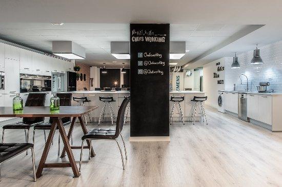 Cocinas Centrales   Sala Privada Ocio Gastronomico Cocinando Con Amigos Picture