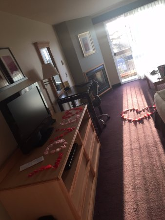 "Inn at Wecoma Lincoln City: ""Romance Package"""