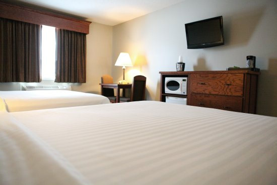 GrandStay Hotel & Suites Perham, MN: 2 Queen Guest Room