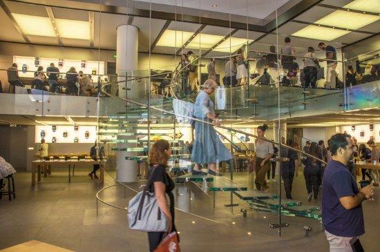 Apple Store Picture Of Carrousel Du Louvre Paris