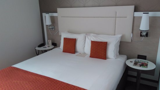 Hotel Parlament: Comfortable bed