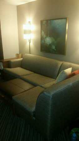 Hyatt Place Baltimore/BWI Airport: To the right as we entered our room, great sitting area