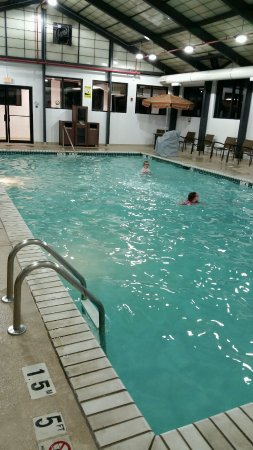 Hyatt Place Baltimore/BWI Airport: Bright & clean pool area