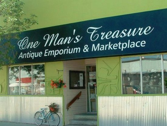 Amazing antique and collectibles boutique in downtown Stony Plain.