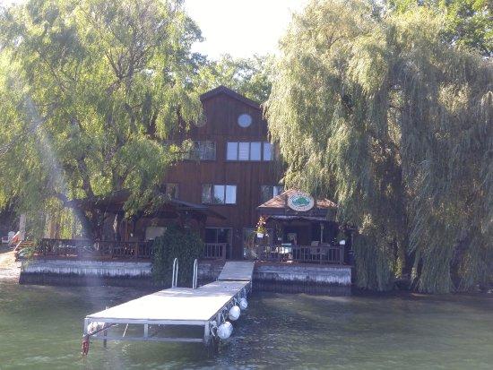 Penn Yan, นิวยอร์ก: Shot of the B&B from Jim's boat tour