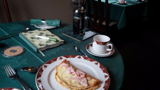Glen Rowan Guest House: Quite possibly the best ham + cheese omelette I've ever had!