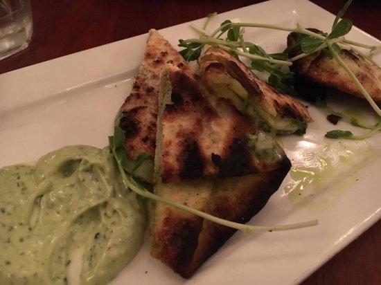 Budgewoi, أستراليا: Garlic Cheese Stuffed Crust