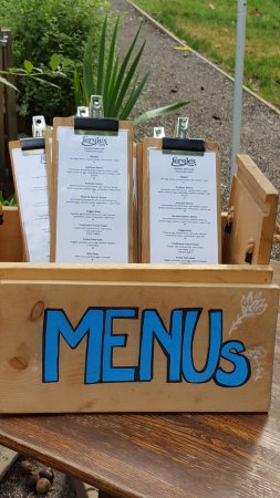 Brackendale, Kanada: Menus outside on the way into the restaurant