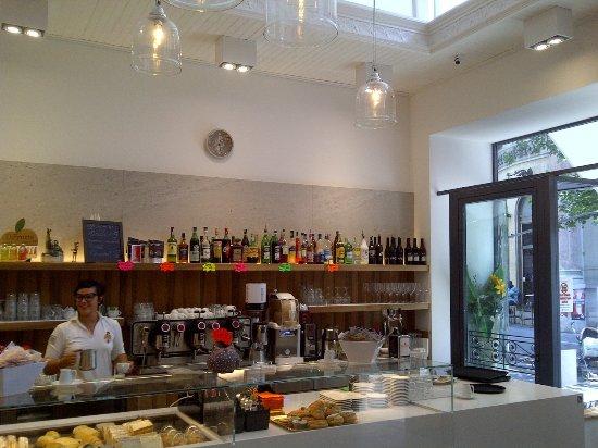 Province of Trieste, Italia: Una nuova caffeteria che aumenta la scelta in viale