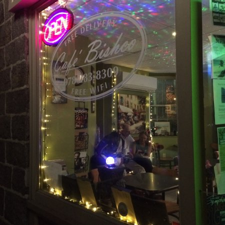 Cafe Bishco: Open late: Cafe Bishoo