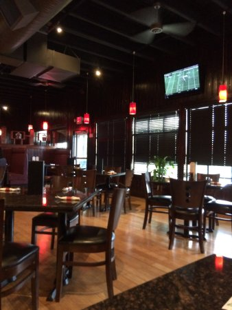 Royal Ginger Asian Fusion Bistro: nice interior