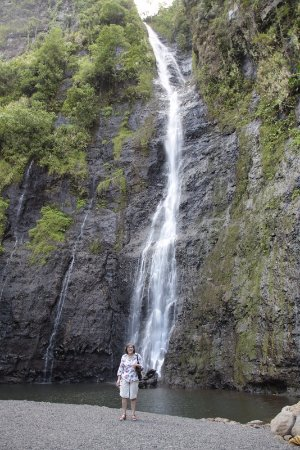 Pueu Village : Waterfall on North Coast Tahiti