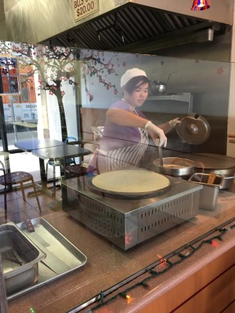 Alhambra, CA: Crepe made fresh in front of you