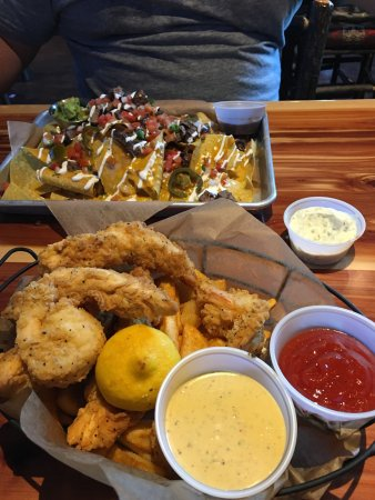 Twin Peaks Arden Arcade: Double Stacked Nachos with Steak and Chicken Strips, Fried Prawns and Fire Fries.
