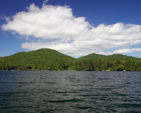 Squam Lakes Natural Science Center : Mountain views surround you out on the lake.