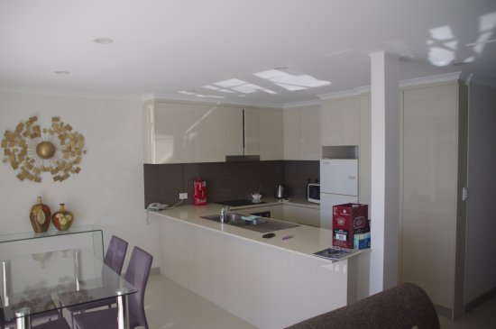 Noosa Harbour Resort: Kitchen