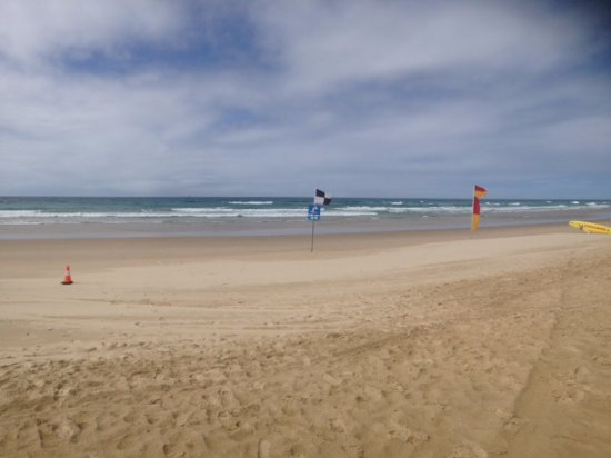 Peregian Beach, Australia: Klms of white sand and no people