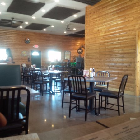 Hubbard Lake, MI: Inside seating area