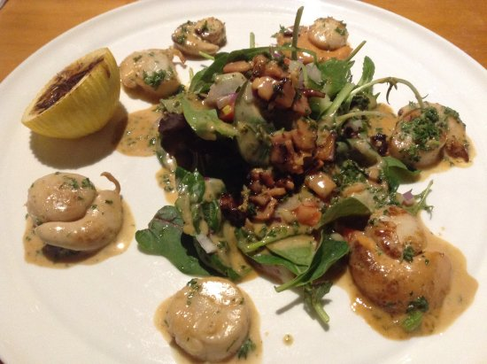 Mangonui, New Zealand: scallop entree