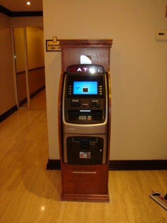 Sunny Isles Beach, FL: ATM
