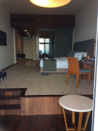 Novotel Nha Trang: Very spacious room.