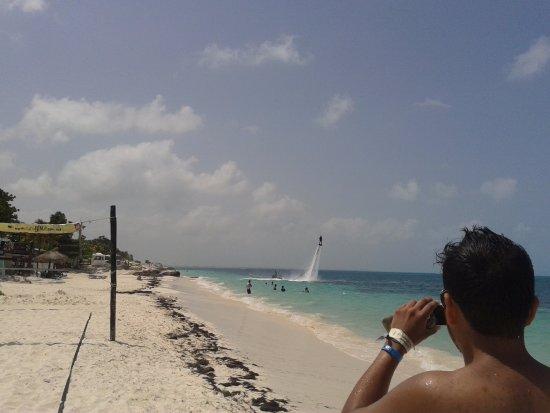سيليزيام دوس بلايس: Los eventos que hacen en la playa son muy buenos