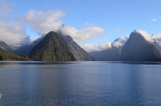 Milford Sound: photo1.jpg