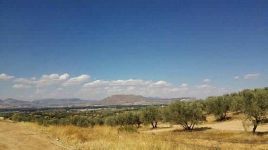 Санта-Фе, Испания: Santa fe y Granada vista desde allí..PARAJE NATURAL