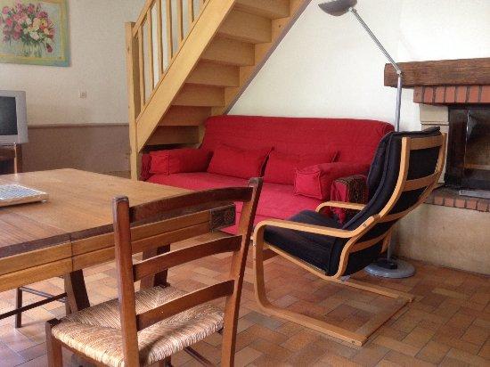 Lucy-sur-Yonne, França: Le séjour dans la Petite Maison