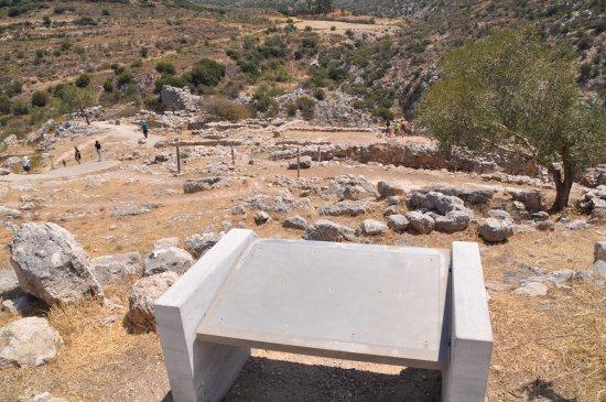 Mycenae, Grecia: Cartel informativo sin información. Uno de muchos que se encuentran en las ruinas arqueológicas.