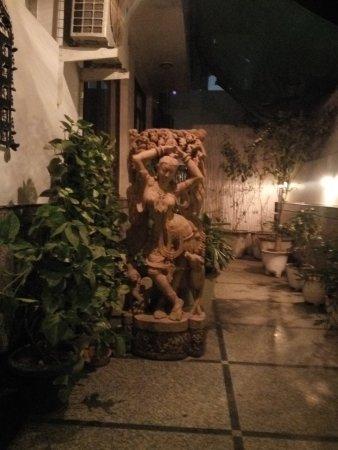 Shanti Home: Indian sculpture