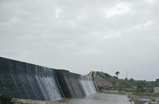 Jamnagar, Índia: Sasoi Dam at Dawn