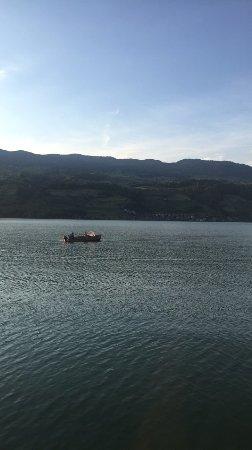 Sachseln, Suiza: البحيرة