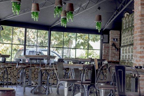 Hub Cooltura Pub Interior Industrial Retro Design