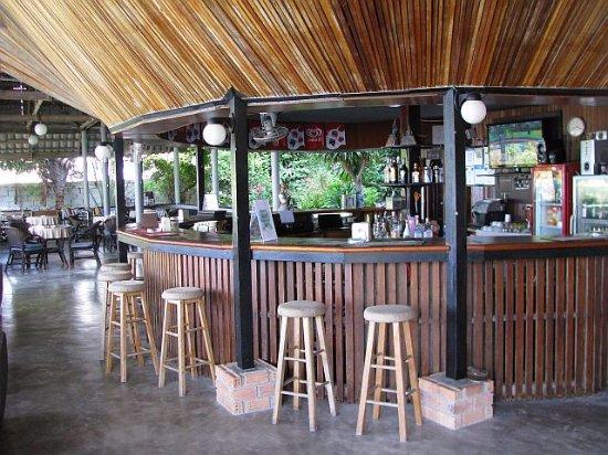 Weekender VIlla Beach Resort: Bar und Restaurant (beste Tom Yam von Samui)