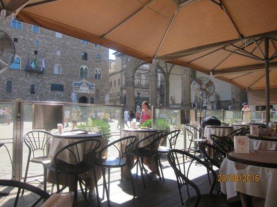 Caffe Rivoire: Terraza del Rivoire frente a la Señoría.Florencia