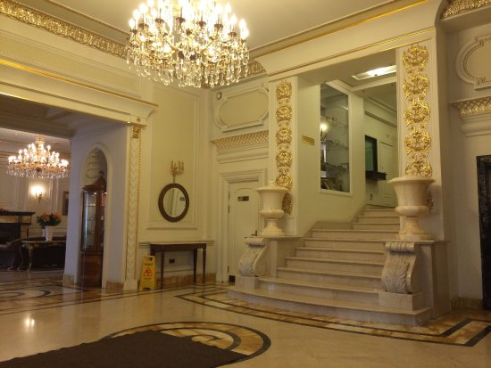 Hotel Savoy Moscow: Traditional Russian baroque