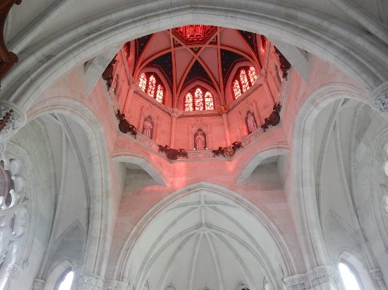 Mount Stuart: Bathed in a red glow
