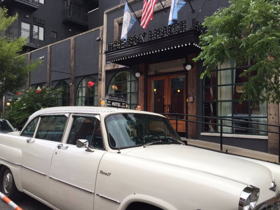 The Box House Hotel: Shuttle service car and entrance