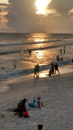 Sterling Beach: Beach at Sunset