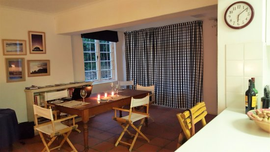 Wilderness, Sudáfrica: Open plan kitchen - dining room - lounge