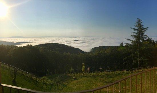 Hotel Colle della Trinita - BlueBay Perugia: Panorama alle 7:00 del mattino