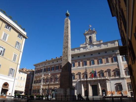 Resultado de imagen de obelisco piazza montecitorio