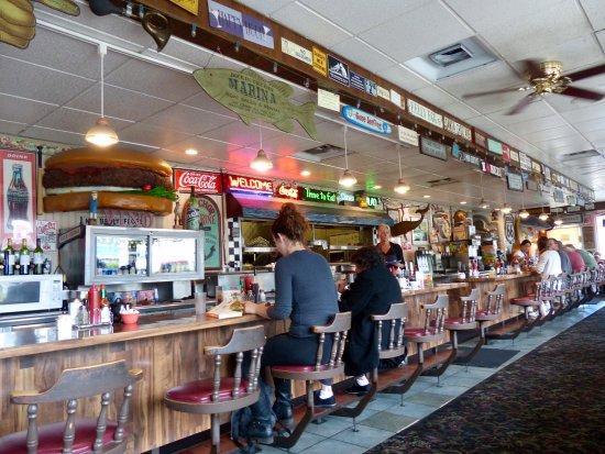 Santa Cruz Diner: Fun, old-fashioned, beach diner! Go there. It's good!