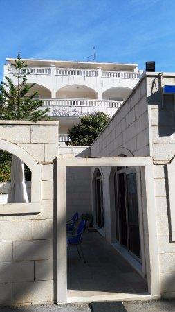 Hotel Villa Daniela: Entrada principal