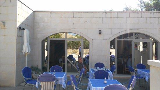 Hotel Villa Daniela: Comedor exterior